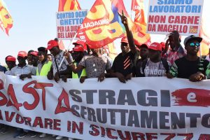 "Italy: Migrant workers declare ""we are not slaves!"""